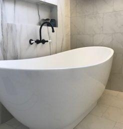 Black Tapware and Modern Bath Tub Bathroom Renovations Cronulla